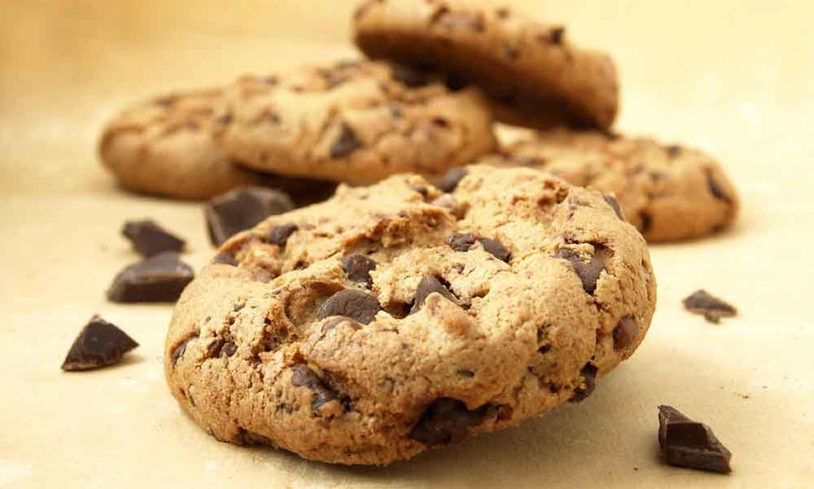 Como Fazer Cookies de Amendoim Com Chocolate Low Carb